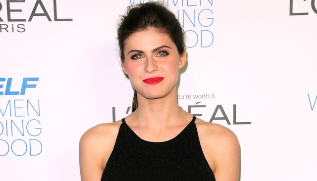 True Detective star Alexandra Daddario has joined the cast of William H. Macy's road trip sex comedy The Layover.