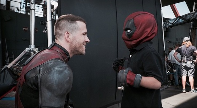A young fan visits Ryan Reynolds on the set of Deadpool thanks to Make-A-Wish!