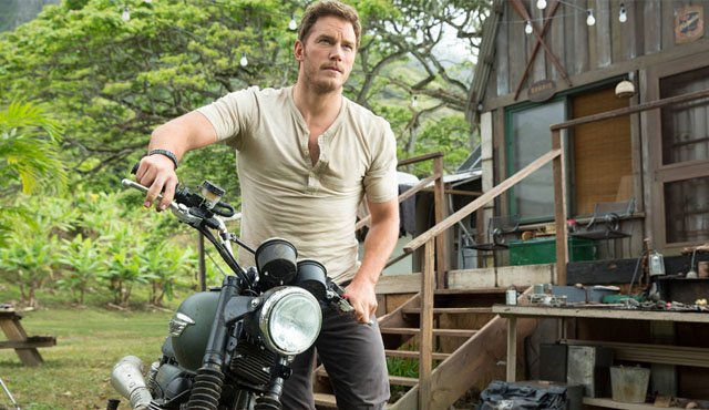 In the Jurassic World cast, Chris Pratt plays Owen Grady, the new main character of the Jurassic Park franchise.