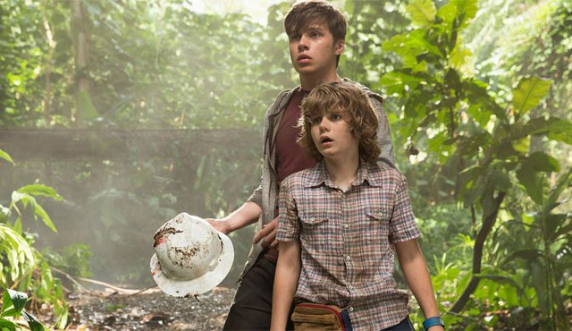 Nick Robinson and Ty Simpkins star in the Jurassic World movie as nephews of Claire Dearing (Bryce Dallas Howard).