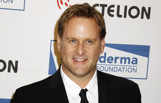 Dave Coulier has officially signed on for the Fuller House reunion.