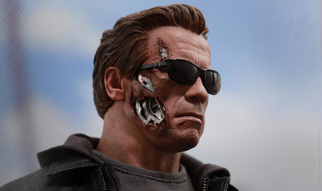Check out the new Hot Toys Terminator Guardian figure in our gallery!