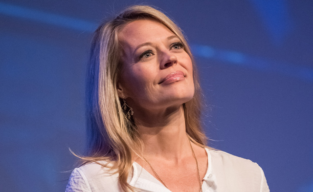 Jeri Ryan will appear on Arrow Season Four.
