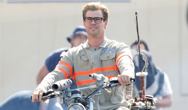 Chris Hemsworth Spotted on the Ghostbusters Set!