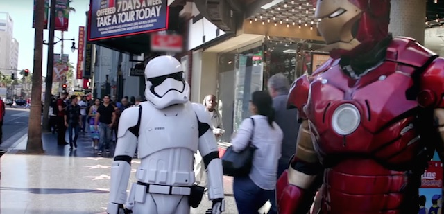 Mark Hamill disguised himself as a Hollywood Blvd Stormtrooper!