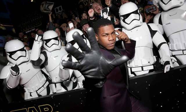 Nearly 100 Photos from the Star Wars: The Force Awakens Premiere.