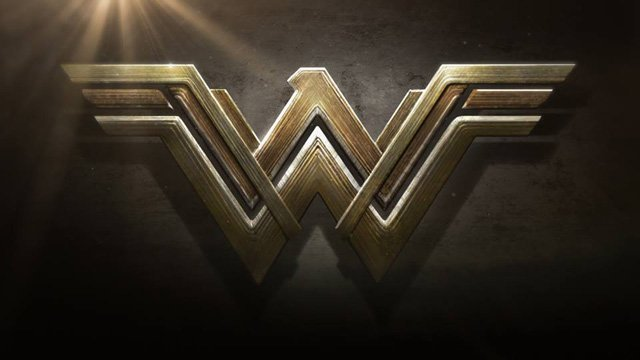 Chris Pine Talks Difference in Wonder Woman from Male-Lead Superhero Films.