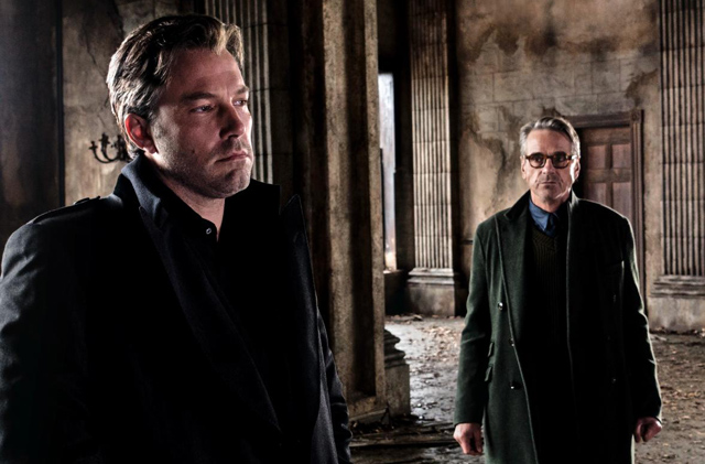 Jeremy Irons' Alfred Returning for Justice League