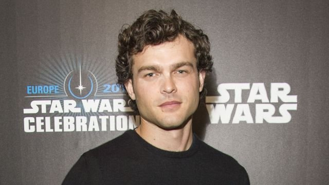 Han Solo Film Starts Shooting in February, Episode VIII Trailer Timing
