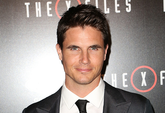 Robbie Amell to Star in the Comedy When We First Met