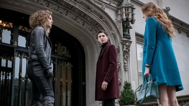 Barnes is Crazy and Ivy Re-teams with Selina in Gotham Episode 3.09 Promo
