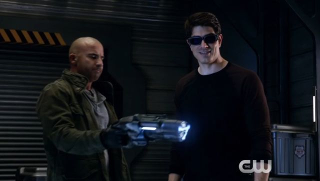 The Pun Game is Out of Control in DC's Legends of Tomorrow Compromise Clip