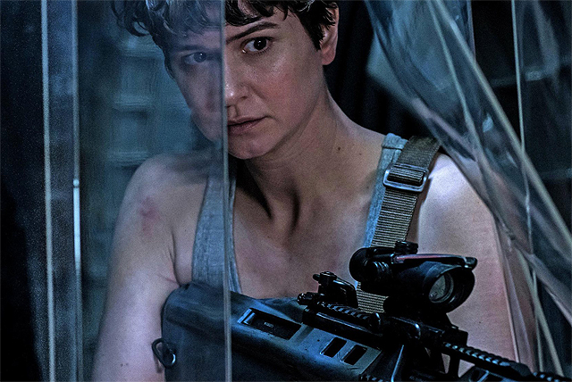 Scope Out Katherine Waterston in New Alien: Covenant Image