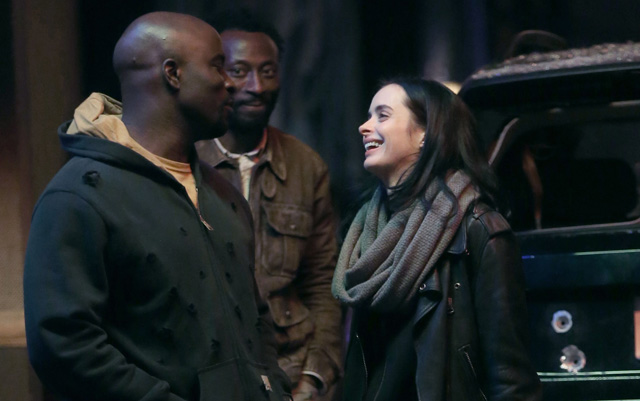 Jessica Jones and Luke Cage are Reunited on The Defenders Set