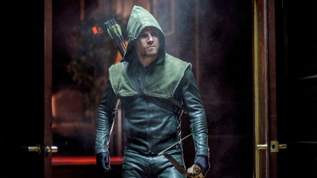 Oliver Plots to Thwart a Coup in Arrow Clip