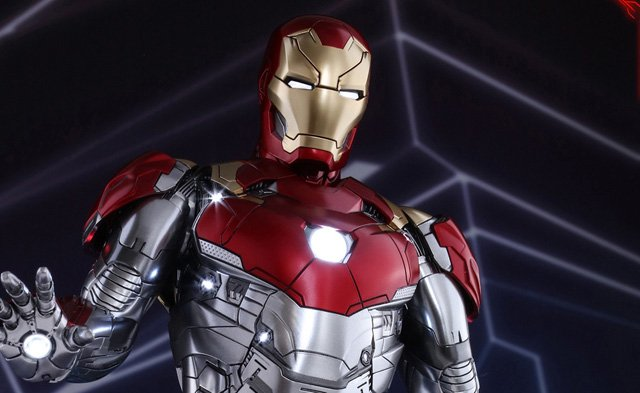 Iron Man's Mark XLVII 1/6th Scale Hot Toys Figure for Spider-Man: Homecoming