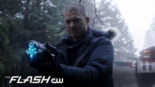 Captain Cold and The Flash Team Up in Infantino Street Trailer