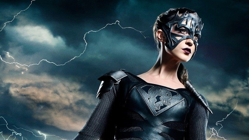 Reign Makes Her Debut in the Supergirl Midseason Finale Trailer