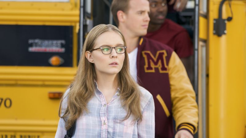 Flashback to a Young Supergirl in New Episode Photos