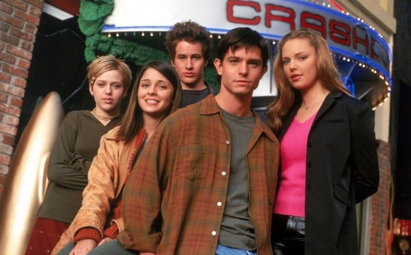 The CW has ordered a Roswell reboot as well as five other pilots