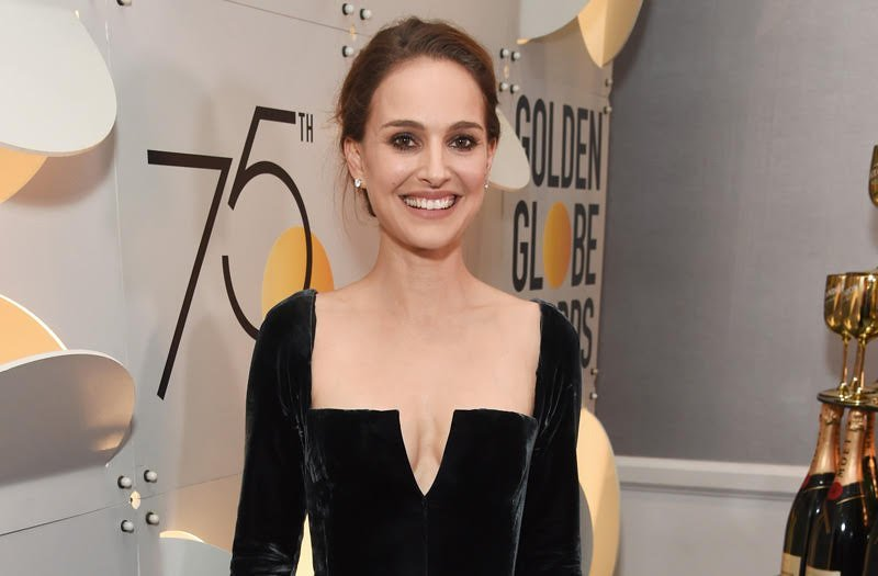 Natalie Portman is in talks to replace Reese Witherspoon in Fox Searchlight's Pale Blue Dot