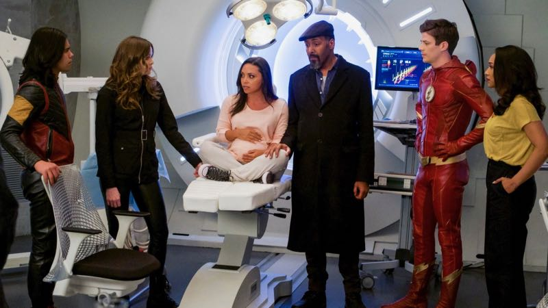 The Flash Season 4 Finale Photos: We Are The Flash