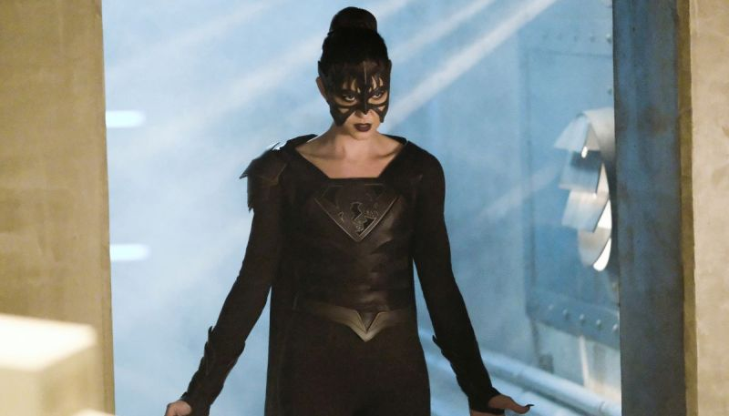 Reign Hunts for Her Daughter in New Supergirl Promo
