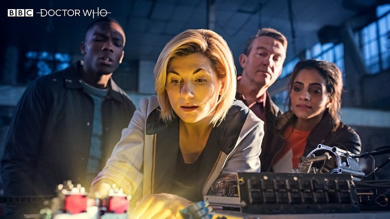 New Doctor Who Images Bring the Gang Together