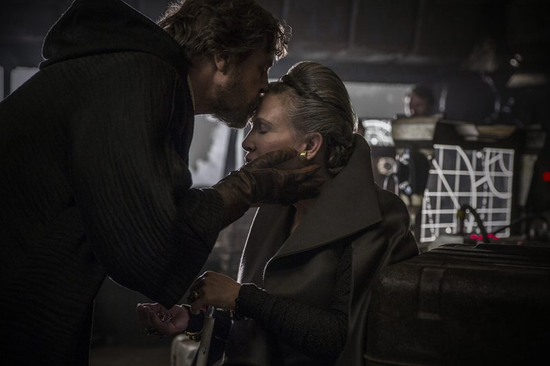 Mark Hamill Talks Carrie Fisher's Appearance in Star Wars: Episode IX