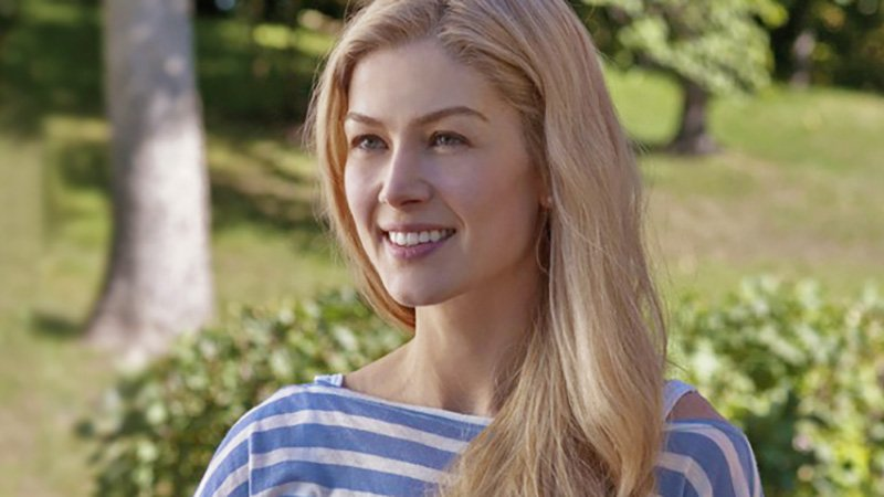 Rosamund Pike To Star In TV Adaptation of The Banker's Wife