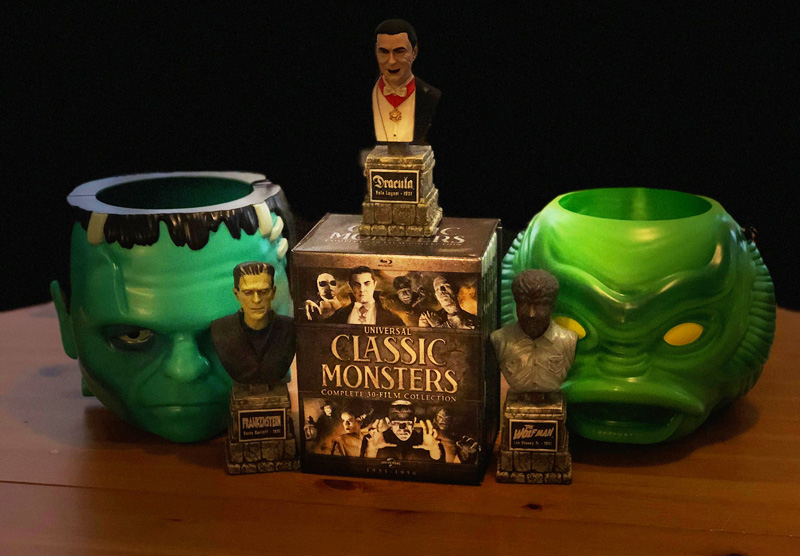 CS Unboxed: Halloween Haul With Universal Monsters & More!