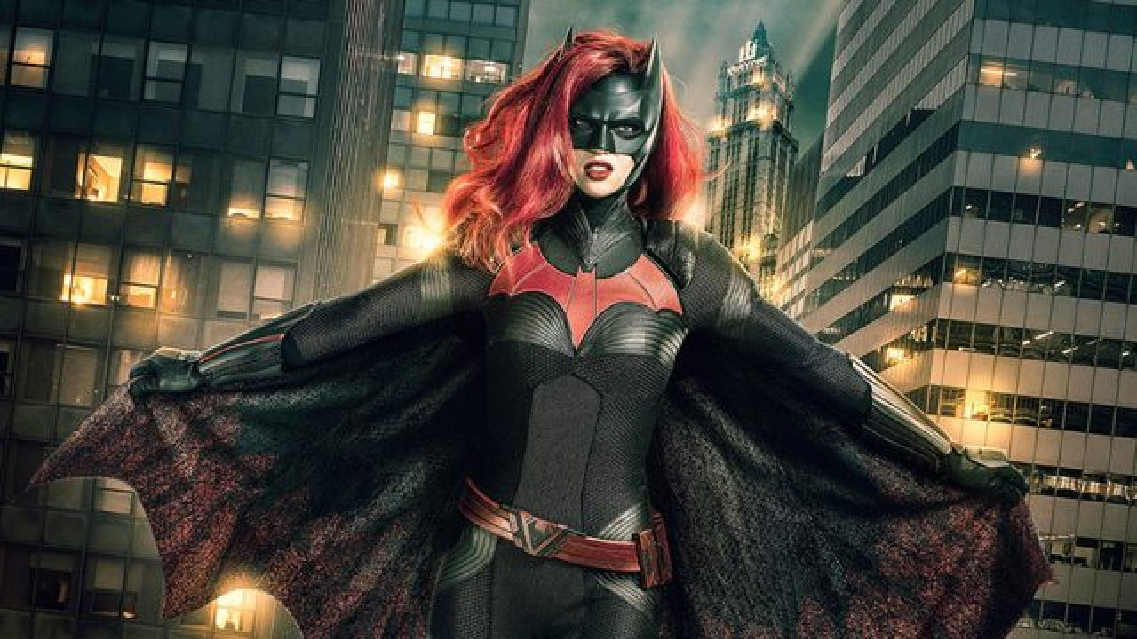 The Cw Orders The Arrowverse Batwoman Tv Series