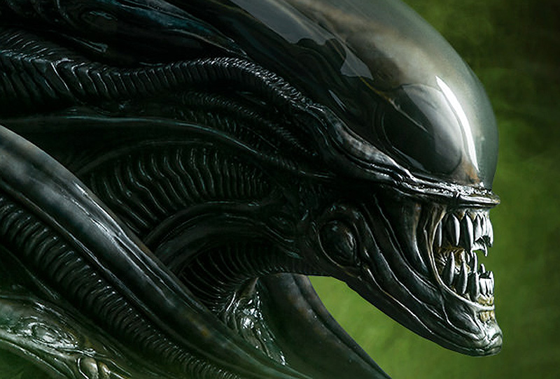 Exclusive First Look at Sideshow's Alien Mythos Bust!