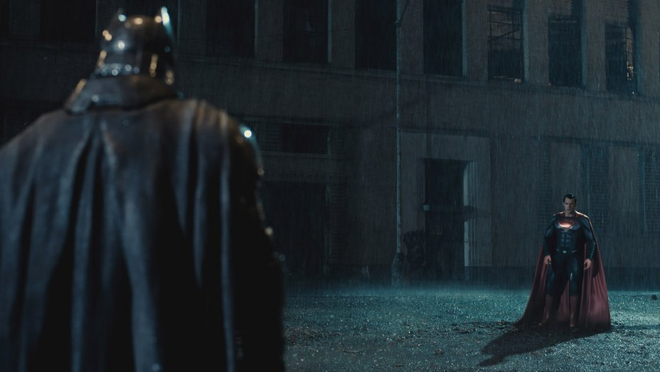 I love these movies and I am proud to say it. But, there are still some things I hate. With that, here are 10 Things I Hate About Batman V Superman: Dawn of Justice.