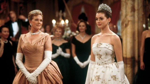 Anne Hathaway Says that Princess Diaries 3 is Still in the Works