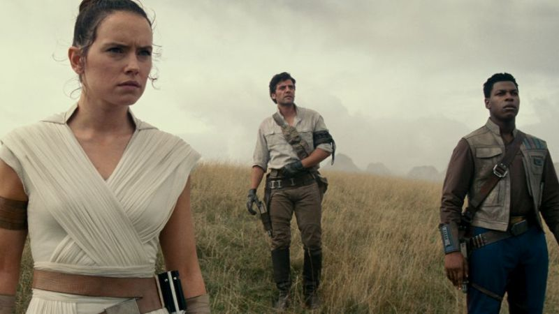 14 High-Res Star Wars: The Rise of Skywalker Photos Revealed!