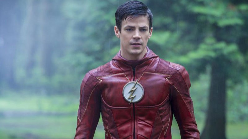Barry Tries to Save the Meta-Humans in The Flash Season 5 Finale Promo