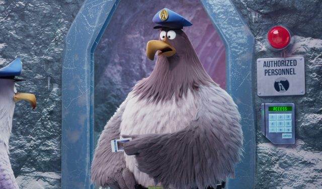 The Birds and Pigs Must Get the Key Card in The Angry Birds Movie 2 Clip
