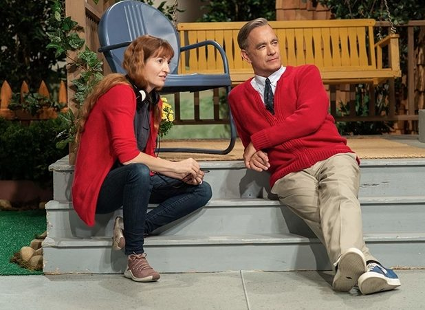 Tom Hanks Becomes Mister Rogers in New Featurette