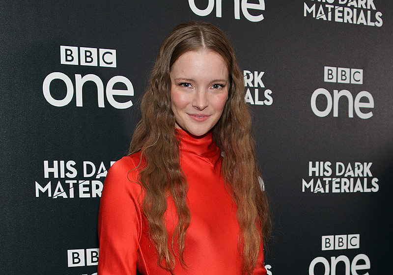 Morfydd Clark Cast as Young Galadriel in Lord of the Rings Series
