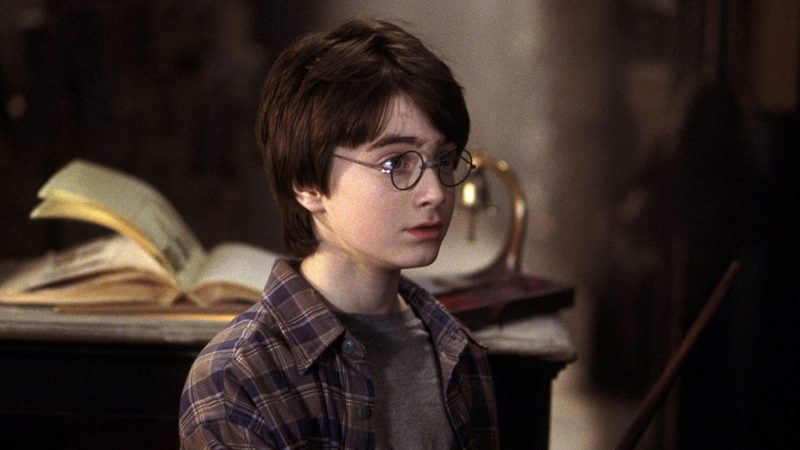 Harry Potter At Home: Daniel Radcliffe Reads First Chapter of Sorcerer's Stone