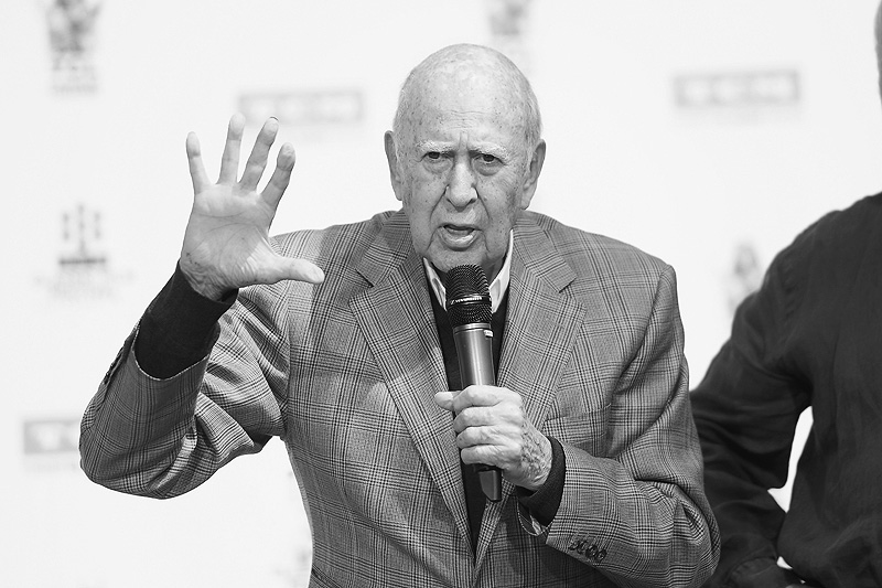 Comedy Legend Carl Reiner Passes Away at Age 98