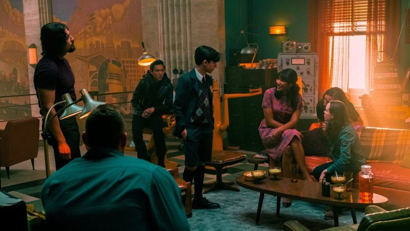 The Umbrella Academy Season 2 Trailer Brings the End of the World to the 60s