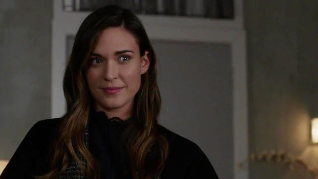 Supergirl's Odette Annable Joins Jared Padalecki's Walker for The CW