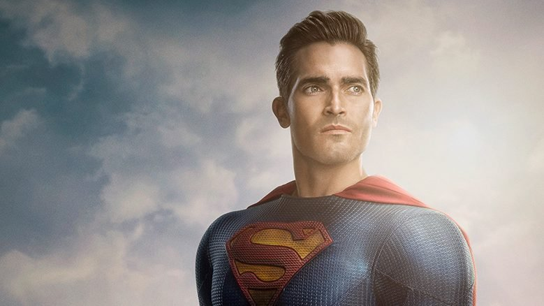 Superman & Lois Reveals First Look at the Man of Steel's New Suit
