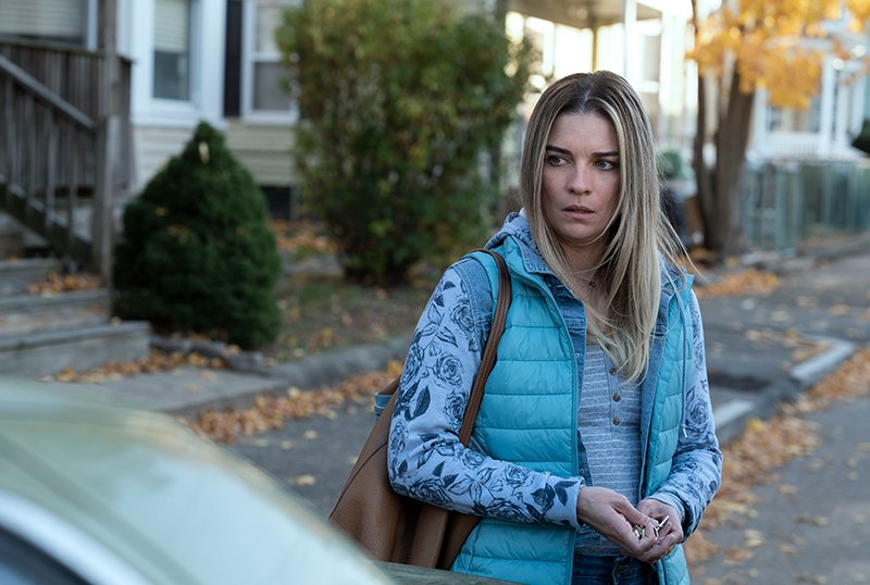 AMC's Kevin Can F**k Himself Trailer & Photos Starring Annie Murphy