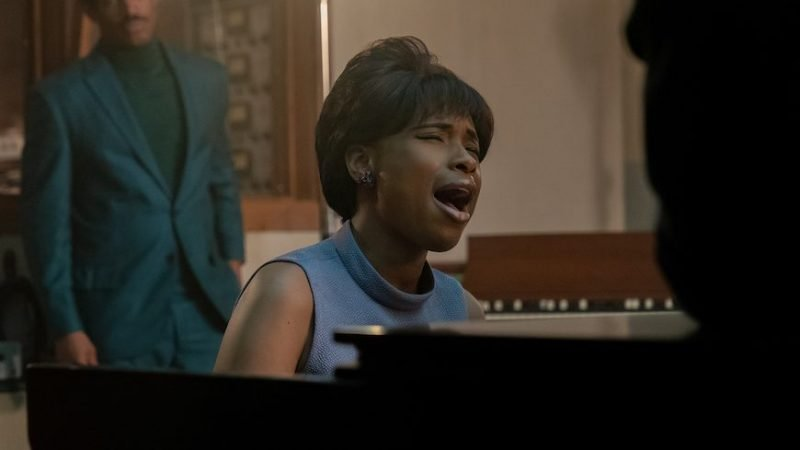 Jennifer Hudson Belts Out Aretha Franklin Hits in New Respect Photos