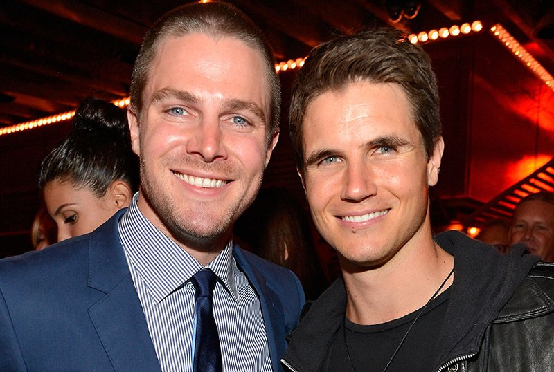 Robbie & Stephen Amell Returning for Sci-Fi Action Sequel Code 8: Part II