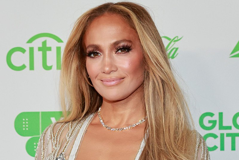 Jennifer Lopez Signs First Look TV & Film Deal with Netflix