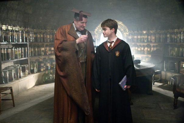 Harry_Potter_and_the_Half-Blood_Prince_16.jpg